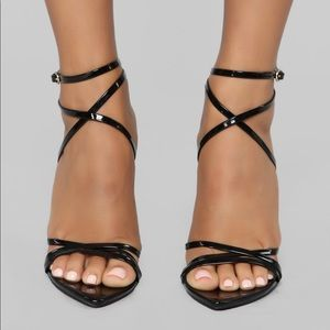 Straps Away Heeled Sandals - Black